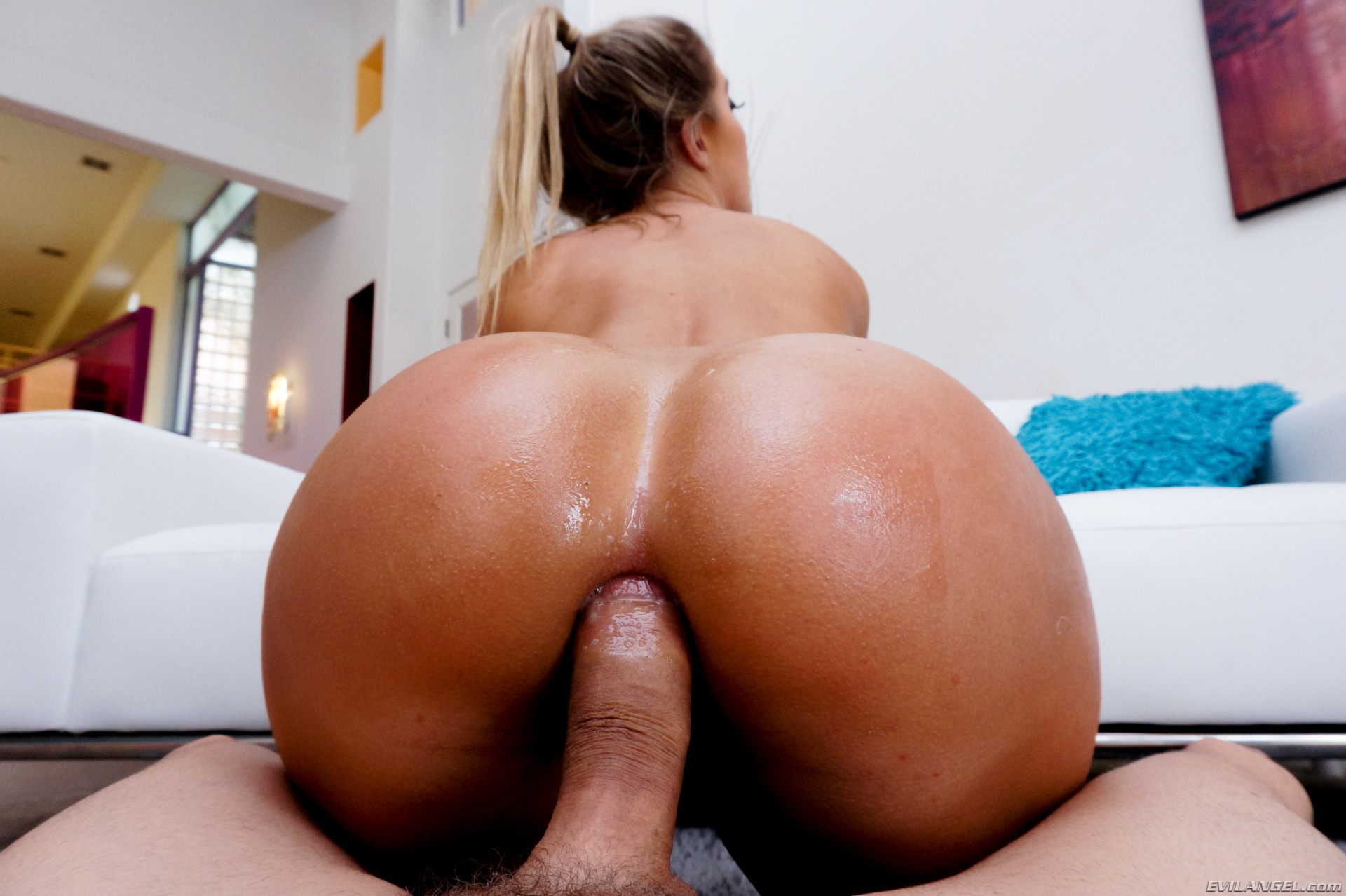Blonde Babe Candice Dare Is Playing With Her Butt Cheeks Spreading Them Apart